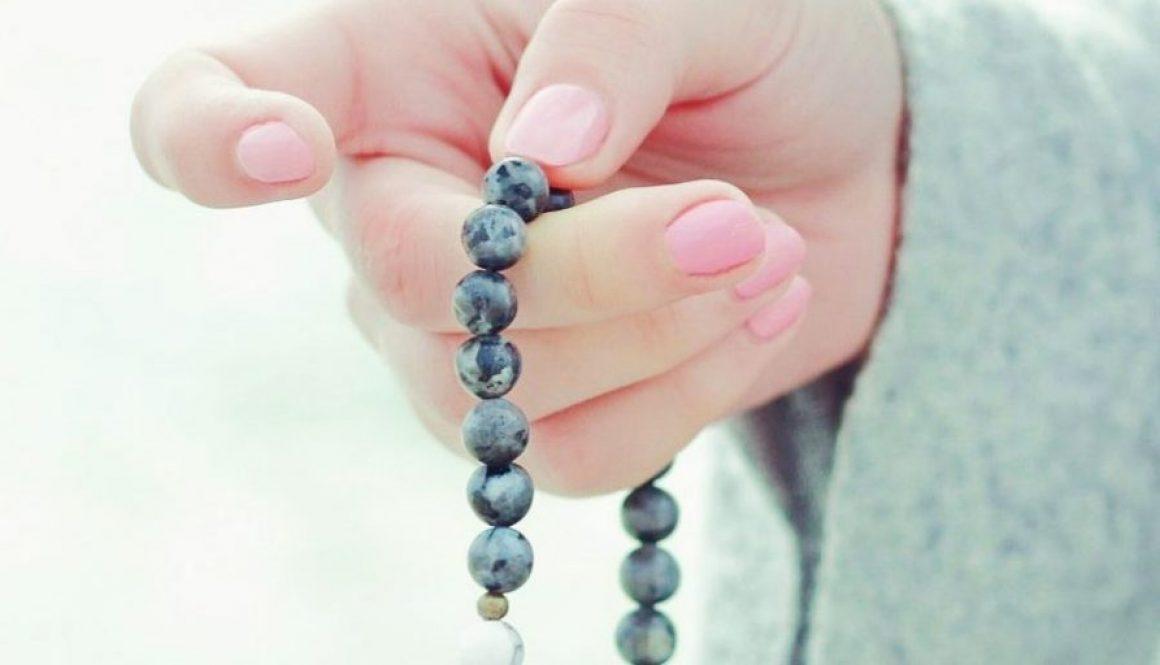 bracelet-bouddhiste-1030x515